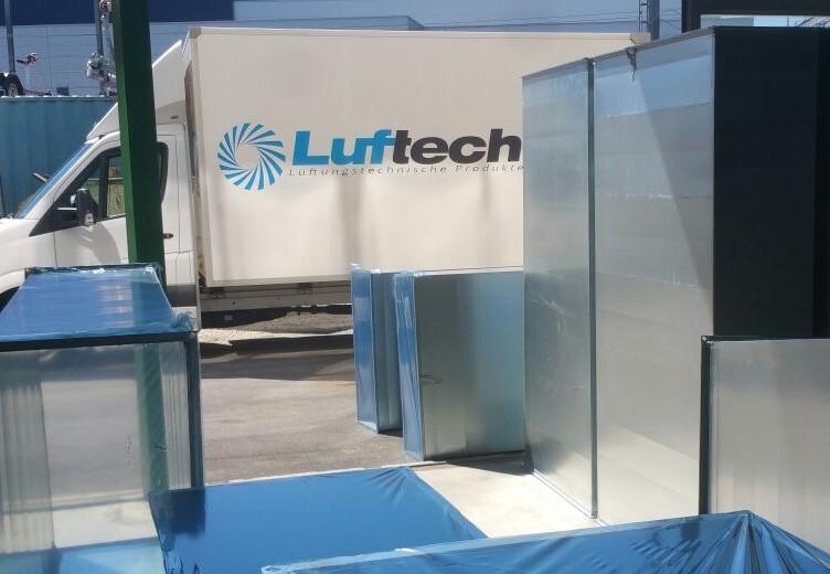 Luftech Firma Lastwagen