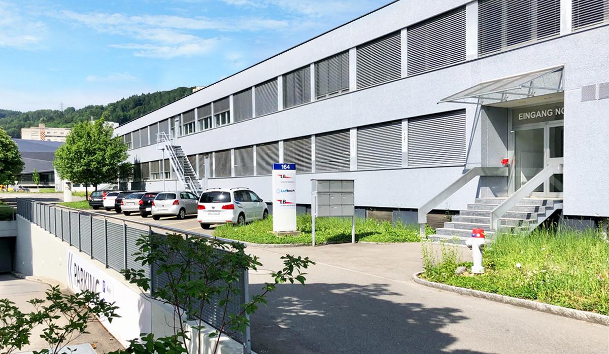 Luftech Firma Wagen